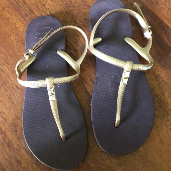 7d6651a05221ad Havaianas Shoes - Worn 1 time Havana s with Swarovski crystals!